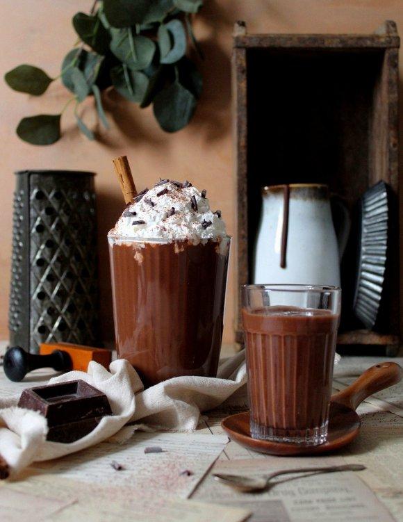Cioccolata calda vegan alla cannella