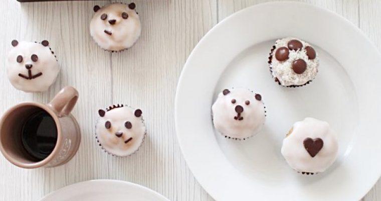 Mini muffins con glassa di zucchero senza uova e burro