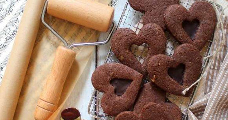 Biscotti cuore di cioccolato senza uova senza burro