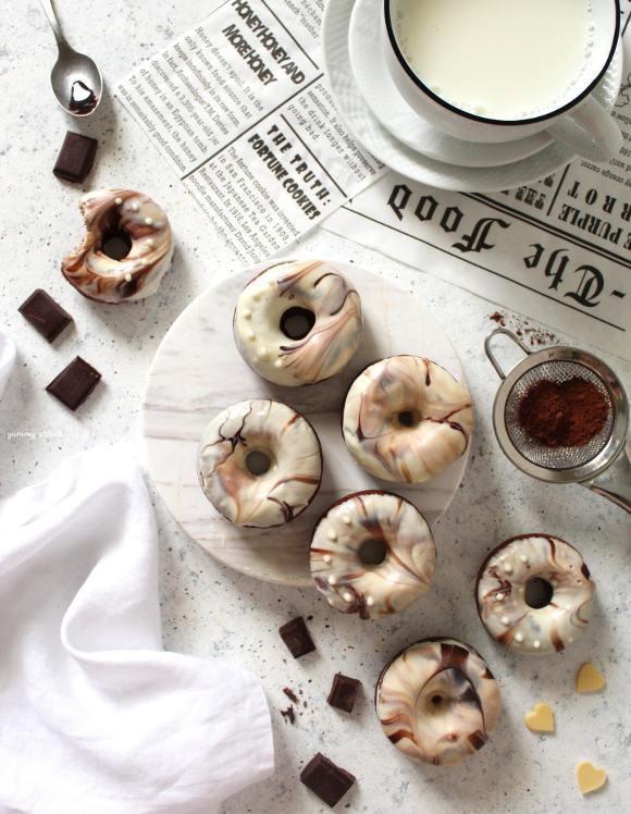 Ciambelle marmorizzate al cioccolato senza uova