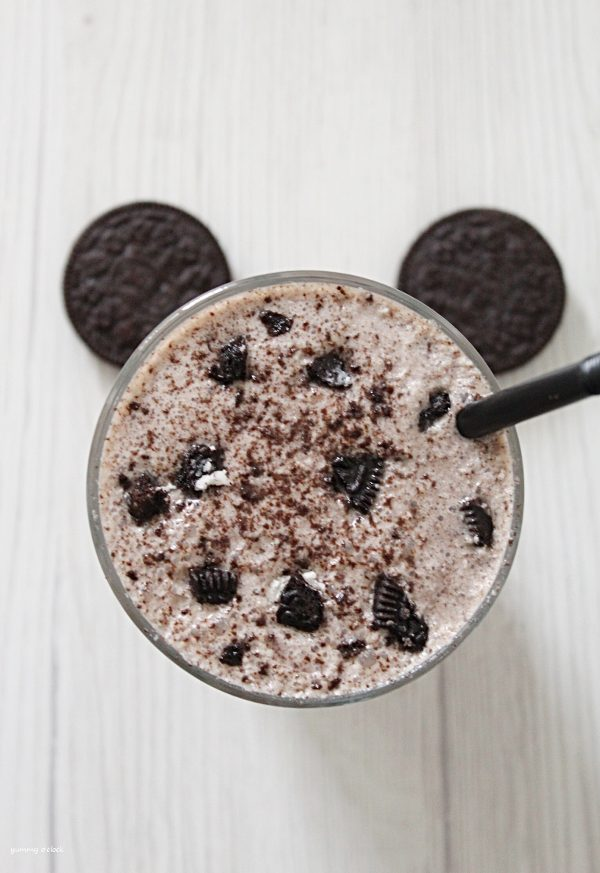 smoothie oreo con yogurt
