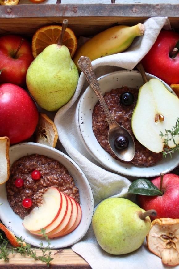 Porridge di avena con cannella cacao vegan