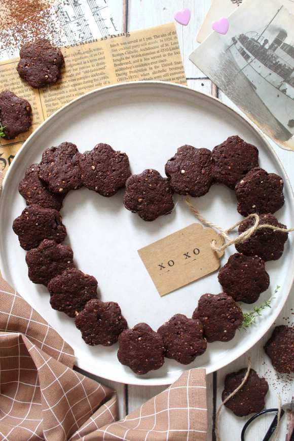 Biscotti con riso soffiato e cacao misura fatti in casa