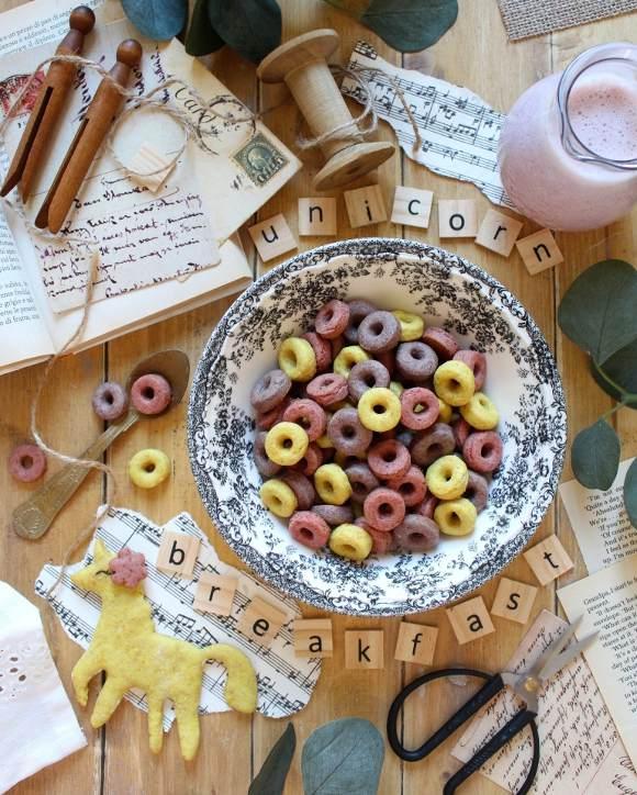 Cereali unicorno: Homemade vegan Froot loops