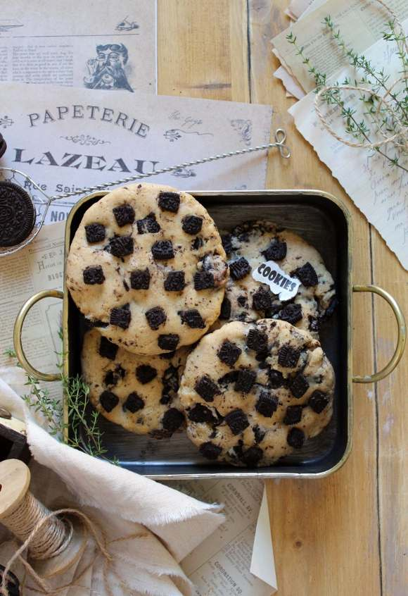 Oreo Cookies and cream biscotti