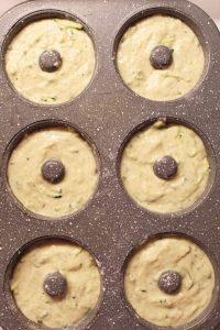 Ciambelle alle zucchine senza uova preparazione