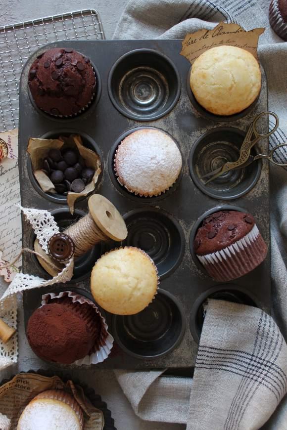 Muffins al latte condensato vaniglia e cacao senza uova senza burro