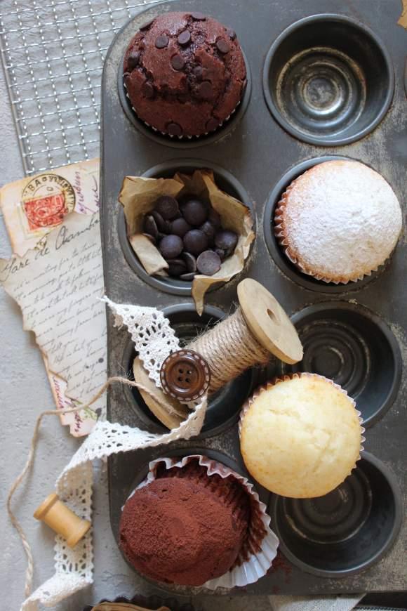 Muffins al latte condensato vaniglia e cacao