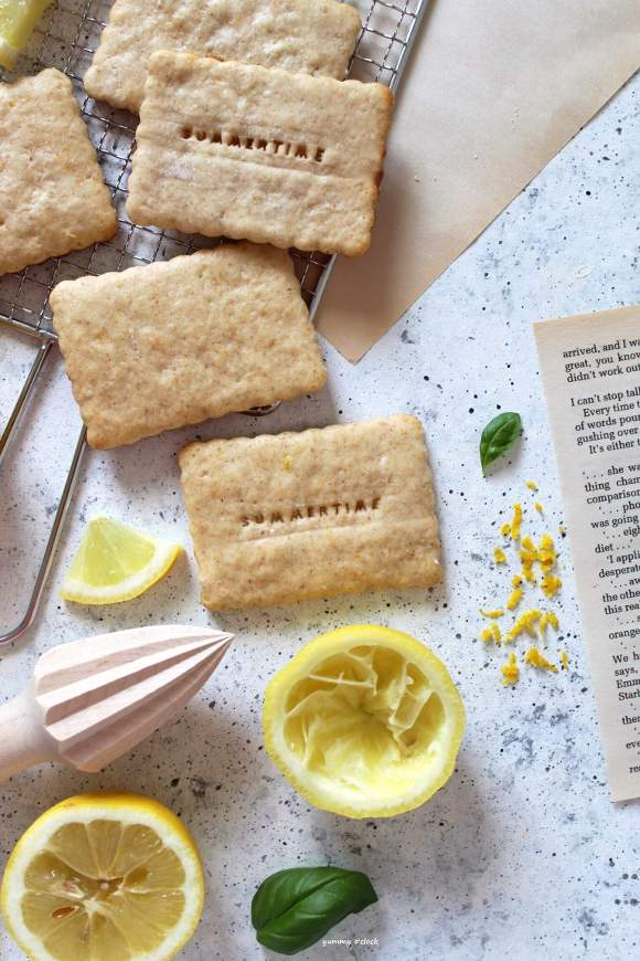 Biscotti al Limone con Yogurt di soia Vegan