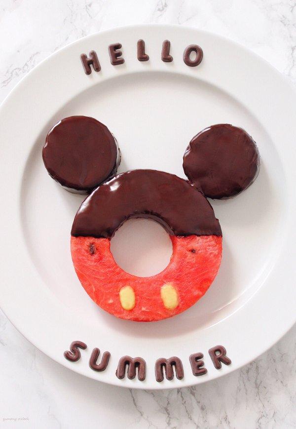Ciambella di anguria a forma di Mickey Mouse(Topolino)