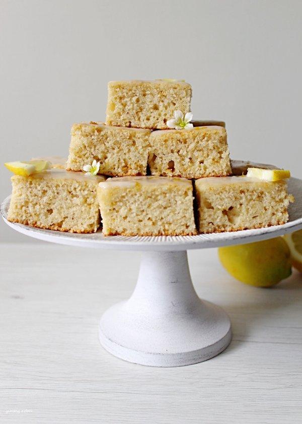 Brownies al limone (Lemonies) senza lattosio quadrotti