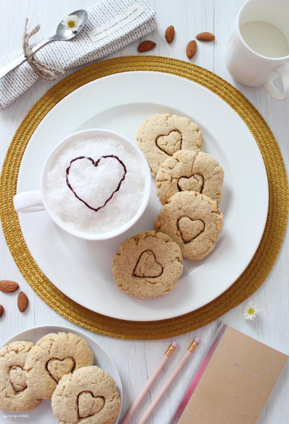 Biscotti alle Mandorle con latte vegetale