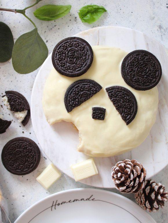 Biscotti Panda decorati con oreo e cioccolato bianco senza uova