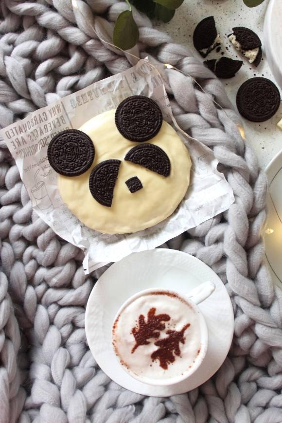 Biscotti Panda con mandorle e nocciole senza uova decorati con oreo