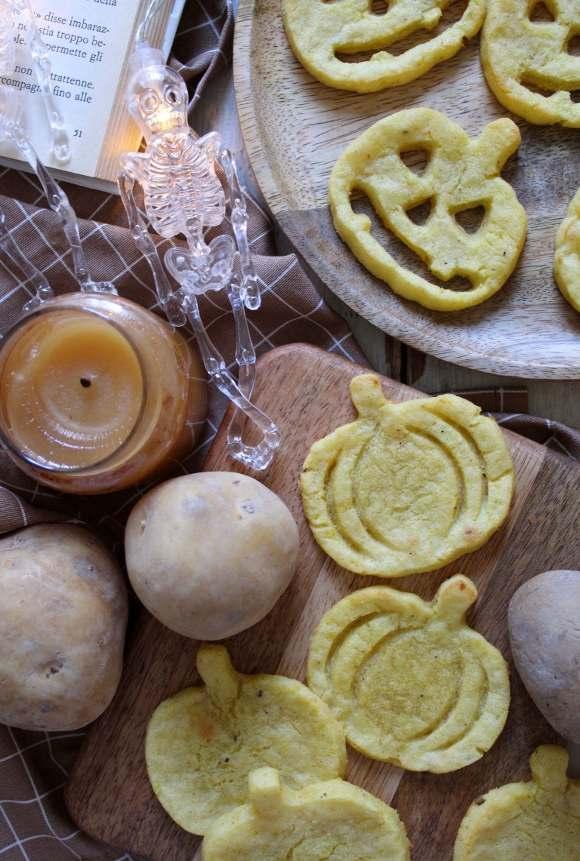 Faccine di Patate a forma di Zucca in stile halloween