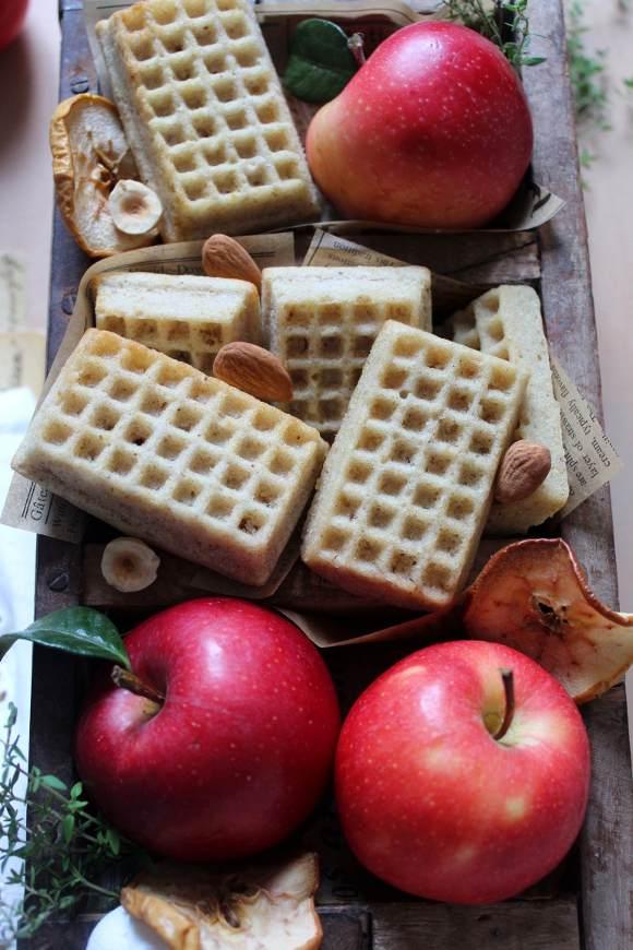 Waffles con salsa di mele