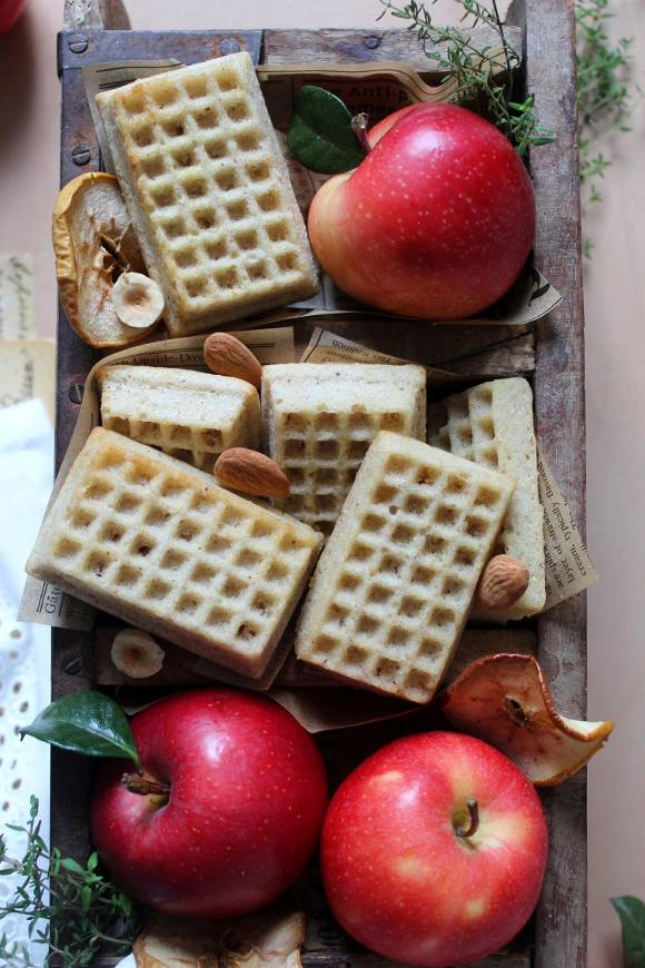 Waffles apple sauce senza lattosio senza uova al forno