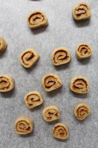 cottura dei Cinnamon rolls Cereali alla cannella vegan homemade