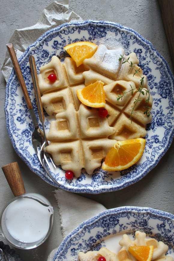 Waffles all'arancia senza glutine e vegan