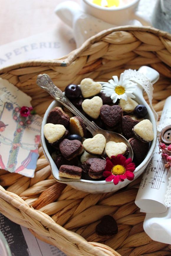 Cereali bigusto a forma di cuore vaniglia e cacao morbidi alla ricotta senza uova