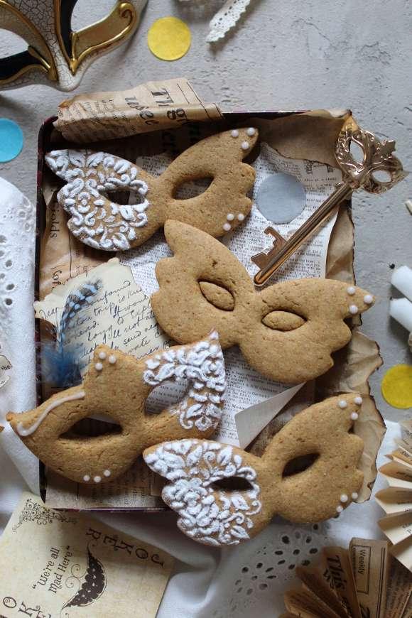 Biscotti di Carnevale senza lattosio senza uova senza burro