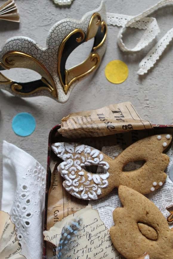 Biscotto Maschera di Carnevale senza lattosio senza uova senza burro