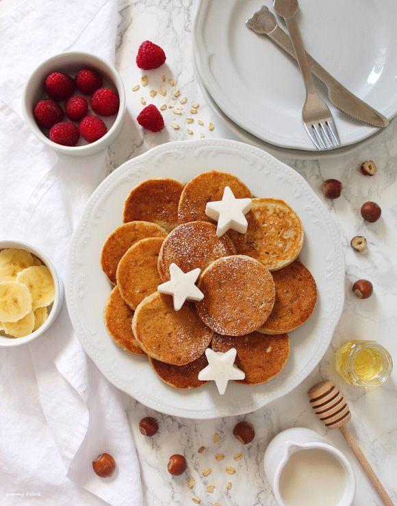 Pancake alla banana avena e nocciole senza uova senza burro