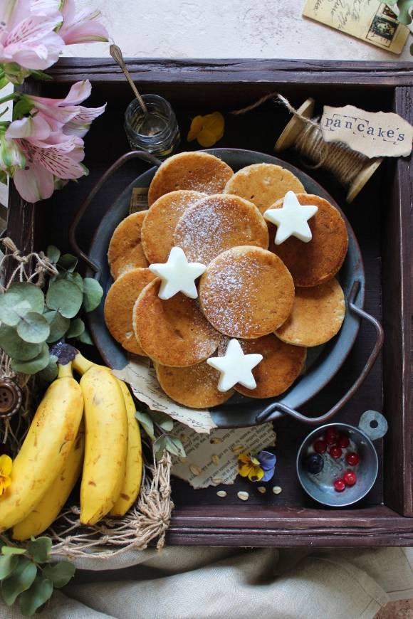 Pancakes banana avena farro e nocciole senza uova senza burro