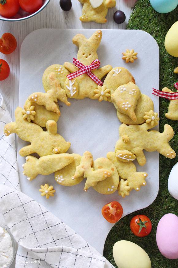 Ghirlanda di biscotti salati