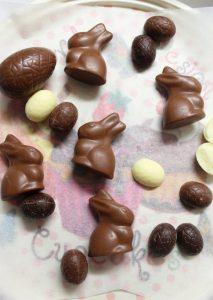 preparazione cioccolatini Brownies di Pasqua senza burro senza uova