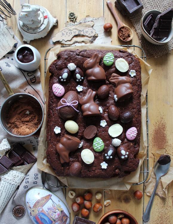 Brownies con cioccolatini di Pasqua senza burro senza uova