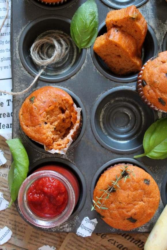 Mini plumcake e muffin con passata di pomodoro e yogurt greco senza uova
