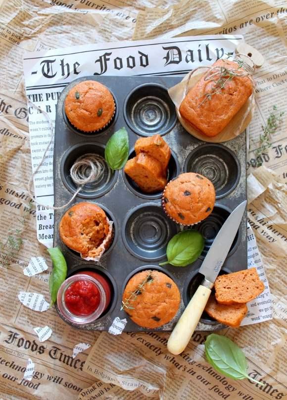 Mini plumcake e muffin con passata di pomodoro senza uova