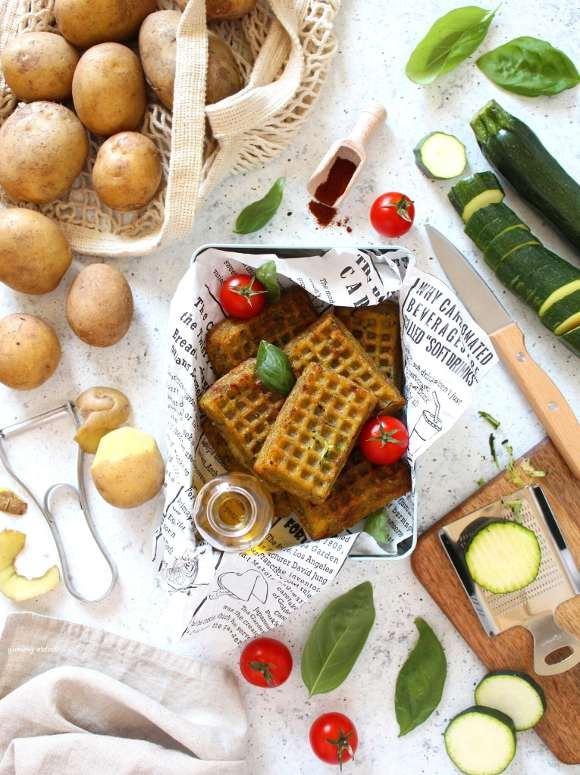 Mini Waffles salati con patate e zucchine al forno vegan