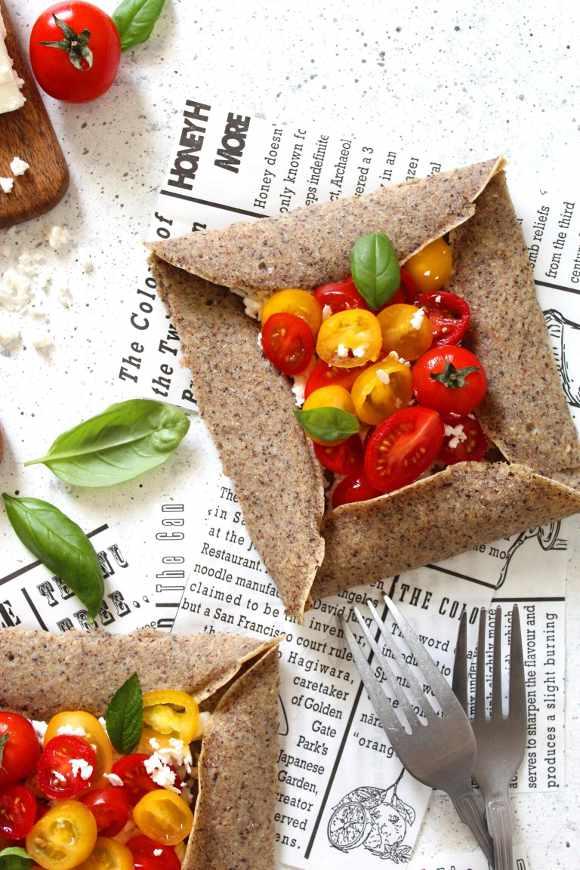 Galette Bretonne salata senza glutine senza uova con pomodorini e feta