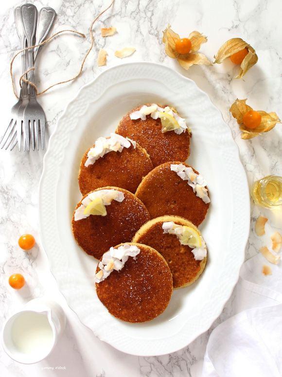 Pancakes al cocco senza glutine senza lattosio senza uova