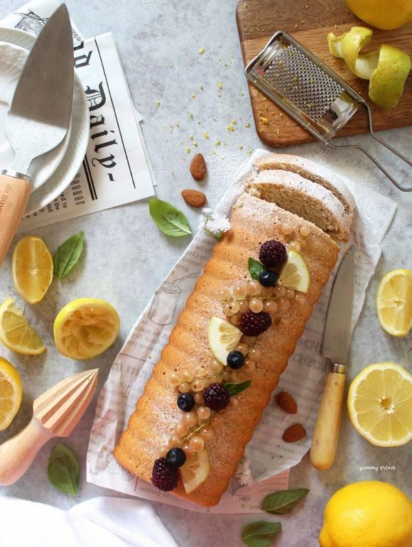 Plumcake al limone e mandorle vegan
