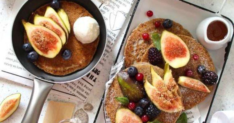 Pancakes con grano saraceno senza glutine e vegani