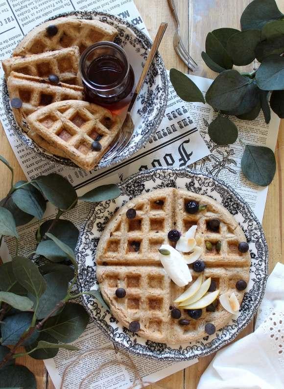 Waffles integrali con gocce di cioccolato vegan