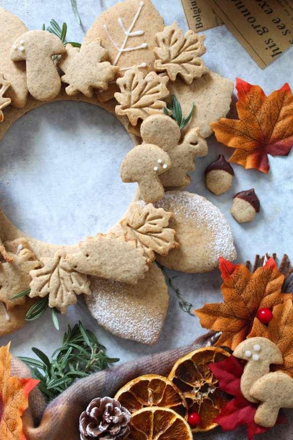 Ghirlanda di biscotti autunnale vegan