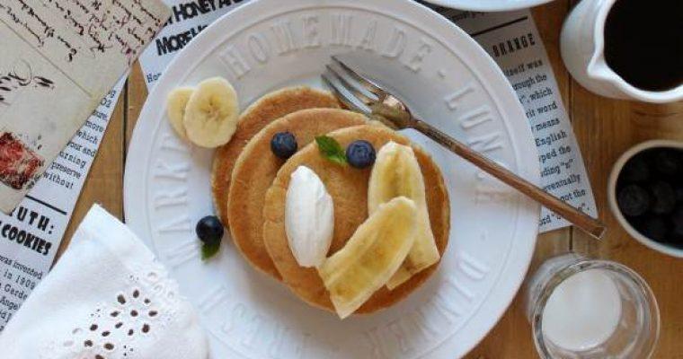 Pancakes allo yogurt greco e avena senza uova