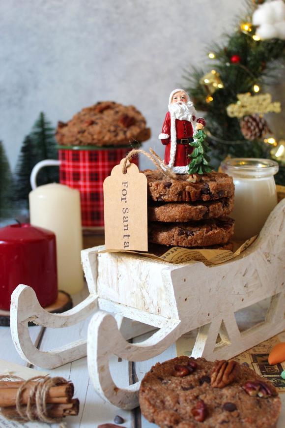 Cookies integrali con noci pecan cannella e gocce di cioccolato