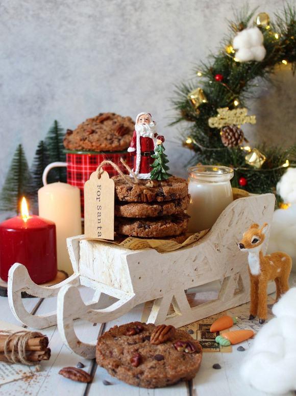 Cookies con noci pecan gocce di cioccolato e cannella vegani