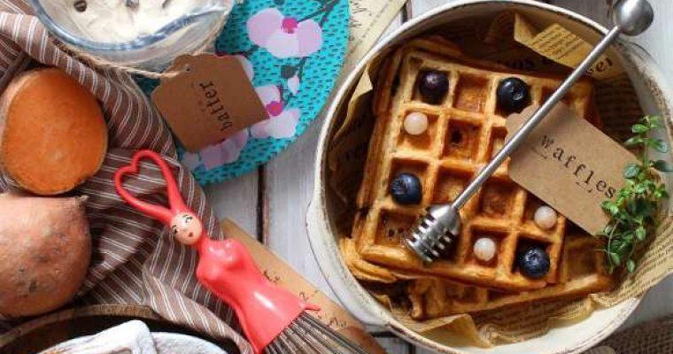 Waffles alle patate dolci con gocce di cioccolato senza lattosio senza uova