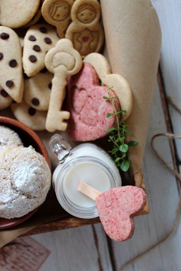 Scatola di biscotti (cookie box) di San Valentino con cuoricini rosa fragola