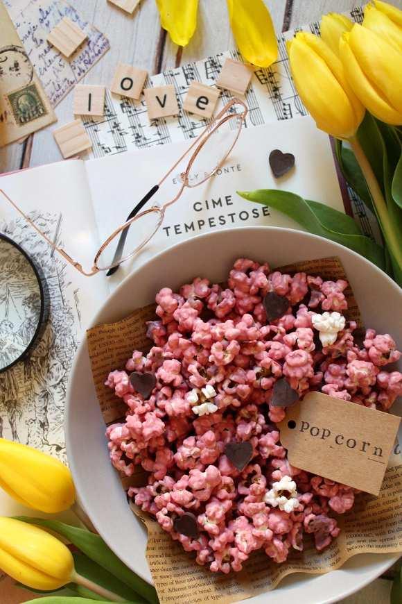 Popcorn al cioccolato ruby olor rosa naturale