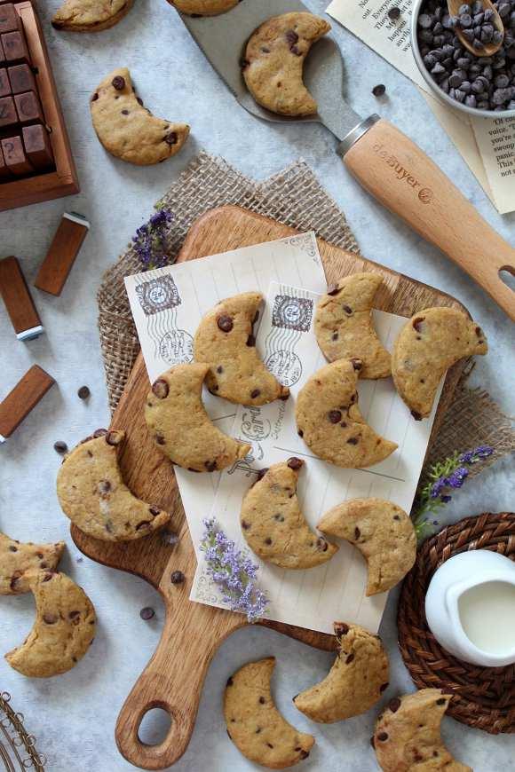 Biscotti con gocce di cioccolato simil mulino bianco senza burro