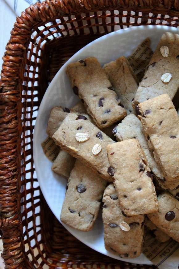Biscotti avena e orzo con gocce di cioccolato