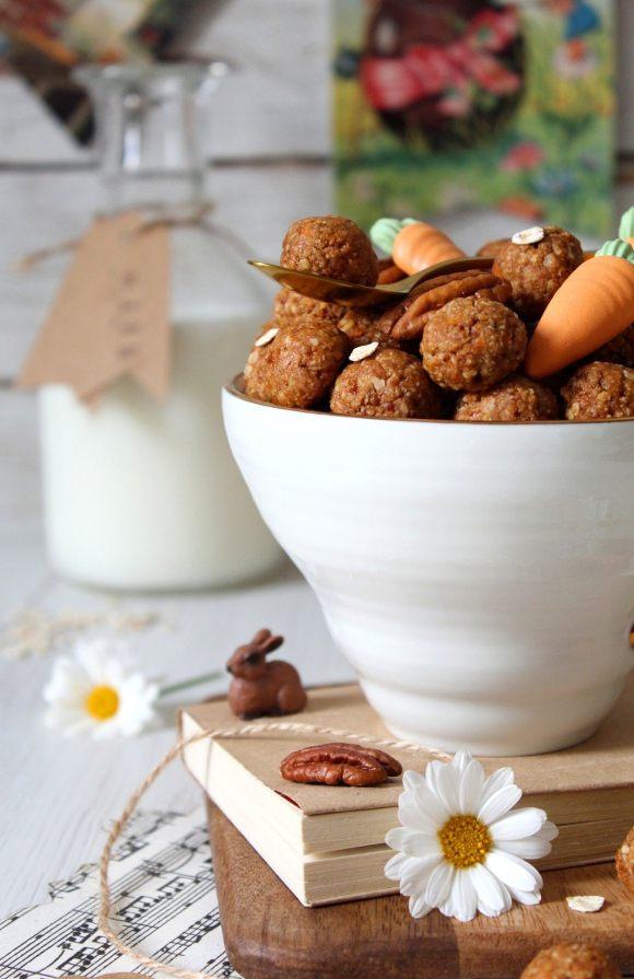 Oatmeal cereali morbidi con fiocchi d'avena noci pecan e carote senza uova