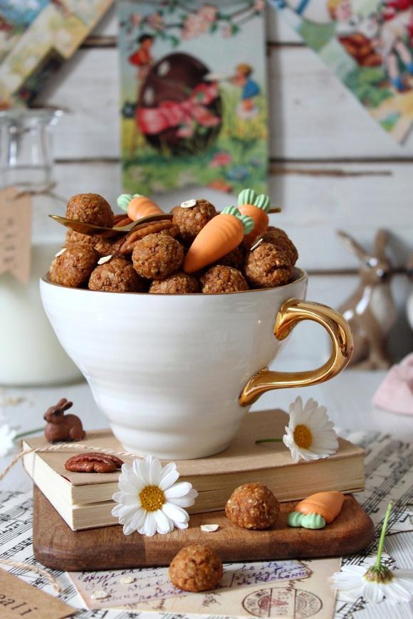 Oatmeal cereali con fiocchi d'avena noci pecan e carote